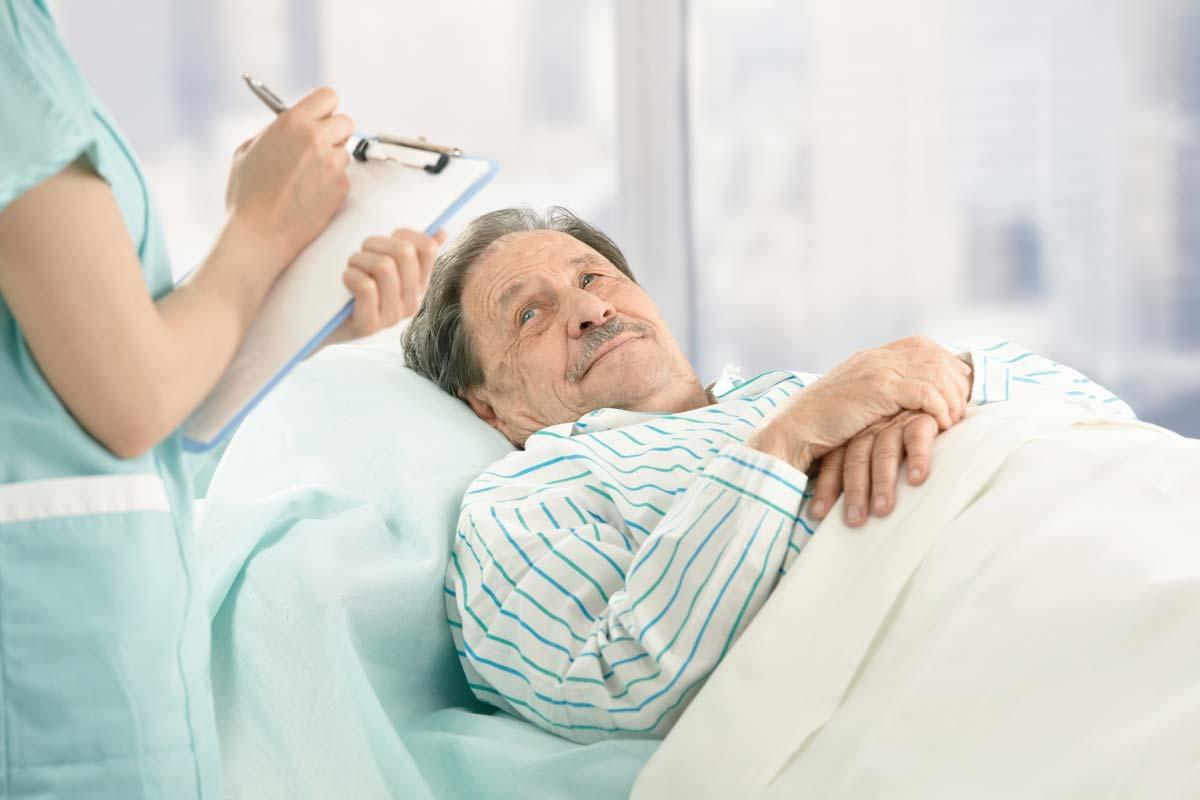 Как лечить пролежни у пожилых лежачих людей в домашних условиях