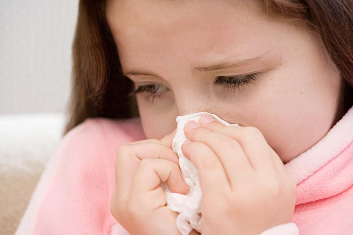 Лечение насморка при беременности: народные и медикаментозные средства