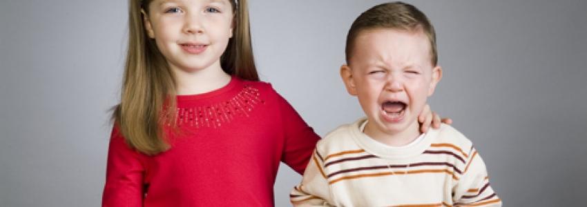 Что делать, если ребенок не любит брата или сестру