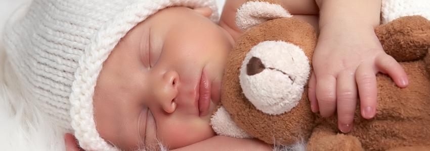 Сон ребенка после рождения: каким он должен быть?