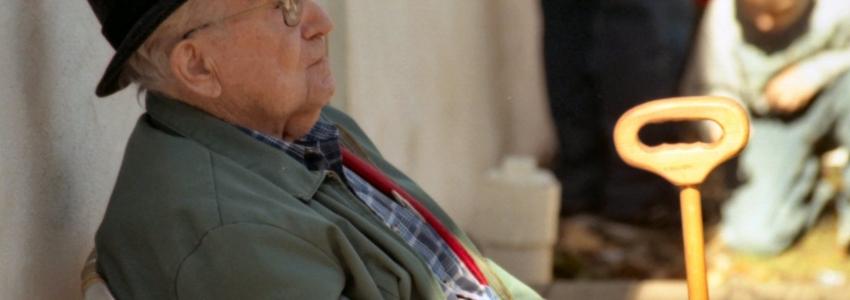Обязанности сиделки по уходу за пожилыми людьми